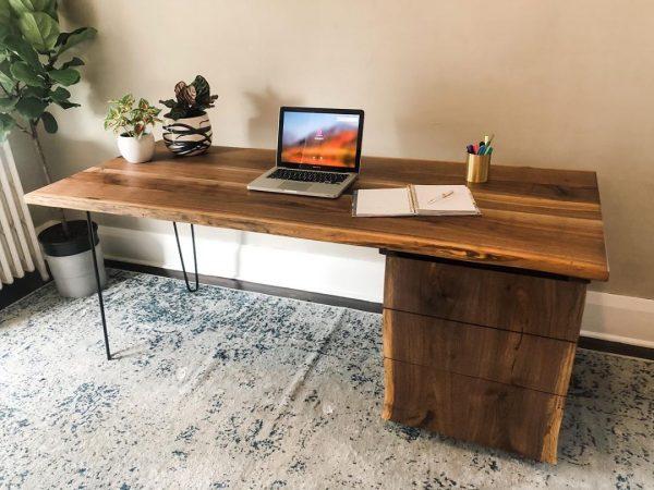 HUDS-ON KWIT Live Edge Desk